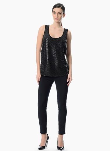 NetWork Payet İşlemeli Kolsuz Bluz Siyah
